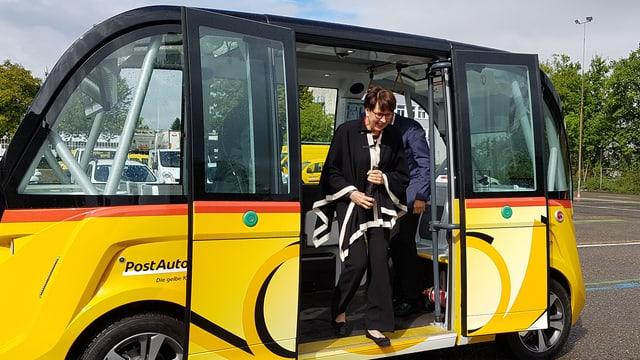SRF News: Erkenntnisse zum Feldversuch – Selbstfahrende Postautos? Cool, aber auch ganz schön blöd¶
