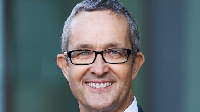 Thomas Weber: «Die Spitäler müssen ihre eigene Strategie finden» - News - Schweizer Radio und Fernsehen - thomas_weber_die_spitaeler_muessen_ihre_eigene_strategie_finden%401x