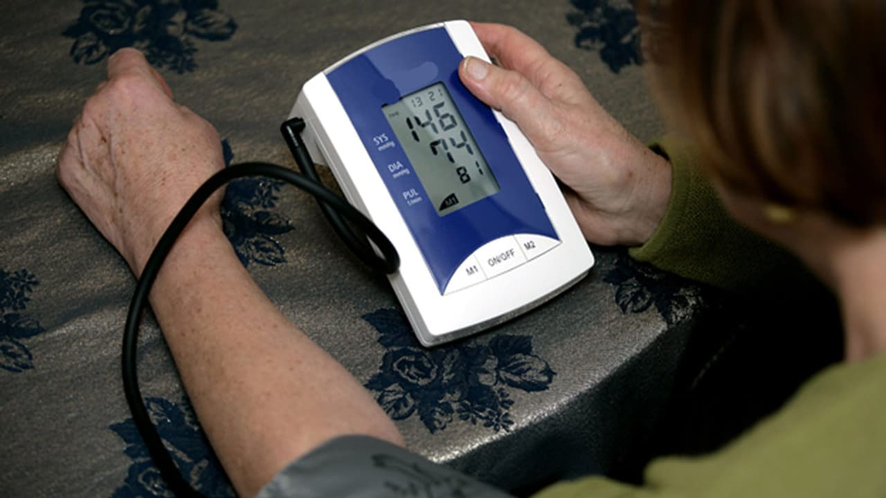 Gesundheit - Blutdruck messen zu Hause: Wann und wie macht..