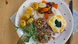 Schweinfiletmedaillon an Nuss-Kräuterkruste, Bratkartoffeln