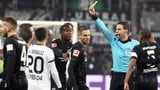 Kartenfestival bei Frankfurt-Sieg über Leverkusen