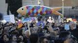 Tausende «Sardinen» gegen den Rechtspopulismus (Artikel enthält Video)
