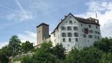 Ist der Fels zu klein für Schloss Wildenstein und Bauernhof? (Artikel enthält Audio)