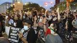 Demonstranten in New York sollen sich auf Covid-19 testen lassen (Artikel enthält Video)