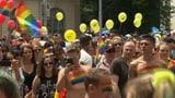 Bunte Parade für mehr Verständnis (Artikel enthält Video)