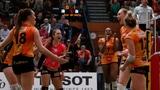 Volleyballerinnen von NUC zum 1. Mal Meister (Artikel enthält Video)