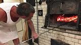 Echtes Holzofenbrot machen nur Brotkünstler (Artikel enthält Video)