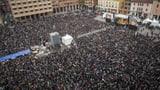 40'000 «Sardinen» gehen in Bologna auf die Strasse (Artikel enthält Video)