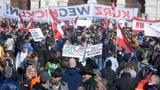 Proteste gegen Corona-Massnahmen in mehreren Städten Europas (Artikel enthält Video)