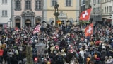 Knapp 1000 Massnahmen-Kritiker demonstrieren in Schaffhausen (Artikel enthält Video)