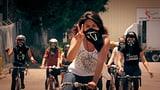Video «Emanzipierte Heldinnen – wenn Frauen in die Pedale treten» abspielen