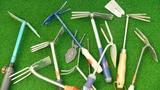 Video «Gartenhacken im Test: Verbogen, zerbrochen, verrostet» abspielen