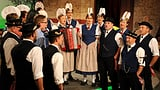 Video «Trachtenjodelgruppe Unteriberg mit Michi Reichmuth» abspielen