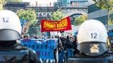 Gewaltsame Störmanöver der Gegendemonstranten (Artikel enthält Video)