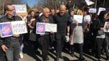 Tausende trauern um erstochenen Schulbub (Artikel enthält Audio)