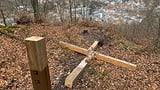 Gipfelkreuz auf dem Badener Kreuzliberg umgesägt.   (Artikel enthält Audio)