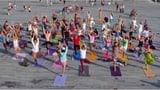 Video «Sport oder Meditation? Der unglaubliche Boom von Yoga» abspielen