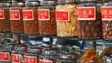 Video «Chinesische Heilkräuter – Mehr Pestizide als heilende Wirkstoffe?» abspielen