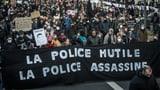 Ausschreitungen bei Protesten gegen Polizeigewalt in Frankreich (Artikel enthält Video)