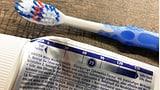 Was bedeutet der RDA-Wert auf der Zahnpasta? (Artikel enthält Audio)