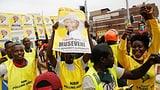 Langzeitherrscher Museveni gewinnt Präsidentenwahl in Uganda (Artikel enthält Video)