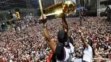 Eine Stadt feiert die Basketball-Helden (Artikel enthält Video)