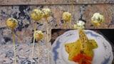 Raps-Omelette mit Pilzpesto und frittierte Tempura-Kugeln