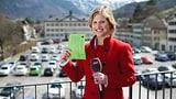 Sabine Dahinden über den Dächern von Glarus (Artikel enthält Video)