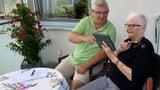 Senioren fit machen für Handy und Co. (Artikel enthält Audio)