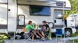 Vom Campern überrannt: Wohmobil-Parkverbot in Beinwil am See (Artikel enthält Audio)