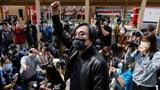 47 Oppositionelle in Hongkong angeklagt (Artikel enthält Video)