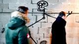 Harald Naegeli sprayt im Grossmünster – ganz legal (Artikel enthält Video)