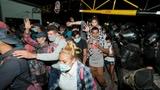 Migrantenkarawane auf dem Weg in die USA – rund 9000 Menschen (Artikel enthält Audio)