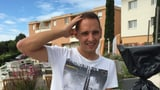 Andreas ha laschà lavar ils chavels cun amaretto (Artitgel cuntegn audio)