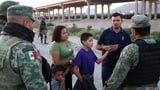 Mexiko stoppt mehr Migranten vor US-Übertritt (Artikel enthält Audio)