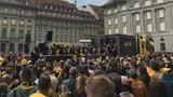 Bundesplatz im gelbschwarzen Kleid