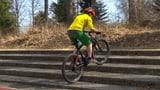 Video «E-Bikes im Test: Grosses Sparpotenzial» abspielen