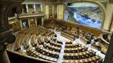 Plexiglas-Trennwände für Parlamentarier (Artikel enthält Video)