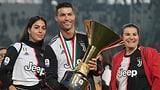 Ronaldo schlägt Sohnemann den Pokal ins Gesicht