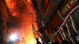 Dutzende Opfer bei Feuer in Dhaka (Artikel enthält Video)