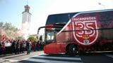 Benfica-Bus nach Wiederanpfiff mit Steinen beworfen