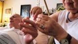 Video «Fünf Jahre Demenzstrategie – Hehre Ziele, wenig Wirkung» abspielen