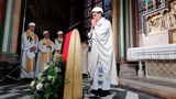 Erste Messe nach dem Grossbrand gehalten (Artikel enthält Video)