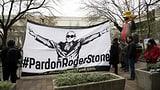 Trump-Freund Roger Stone muss hinter Gitter