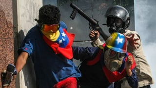 Tausende Demonstranten fordern Maduros Amtsenthebung