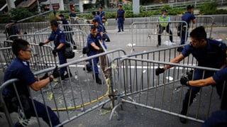 Hongkonger Polizei räumt Barrikaden