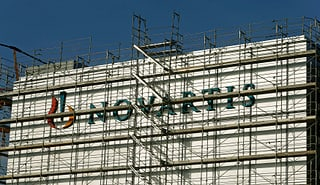 Novartis: Reingewinn bricht massiv ein