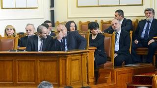Bulgarische Regierung wirft das Handtuch