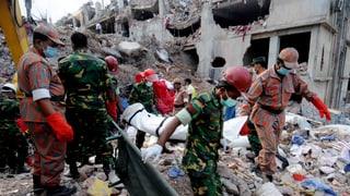 Über 1000 Tote in Bangladesch und ein neuer Fabrikbrand