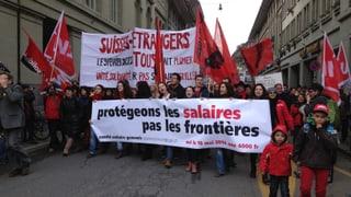 Tausende demonstrieren in Bern für eine offene Schweiz